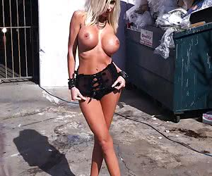 Related gallery: bimbo-life (click to enlarge)