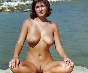 Teen with bush nude